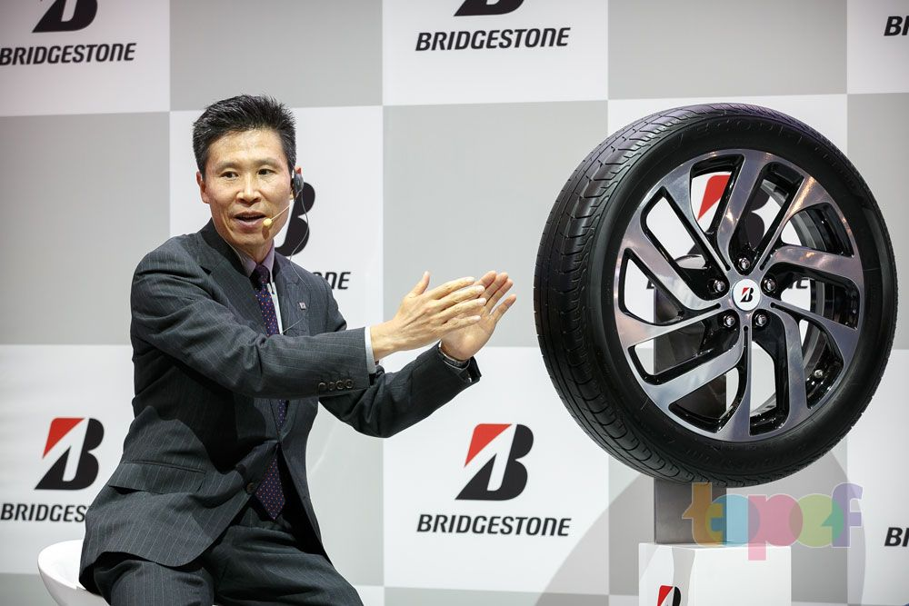Разное от Bridgestone (Шины). г-н Хироюки Матсумото (Московский международный автомобильный салон 2014)