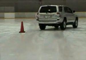 Видео от Bridgestone (Шины). Что будет, если установить разные шины на противоположные стороны автомобиля?