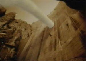 Видео от Pirelli (Шины). Протектор на ступнях ног. Женщина