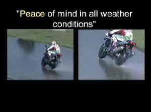 Видео от Pirelli (Шины). Тесты мотошин на мокром