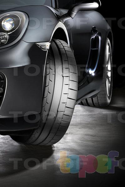 Шины Continental SportContact 6. Спортивная дорожная шина на автомобиле Porsche. Вид спереди