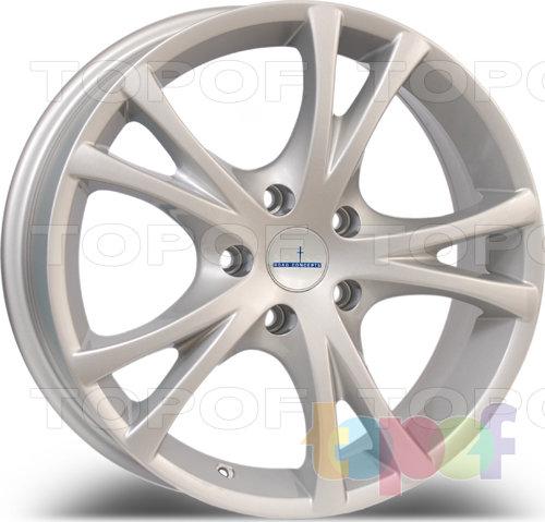 Колесные диски Devino DV 602. Цвет: серебрянный