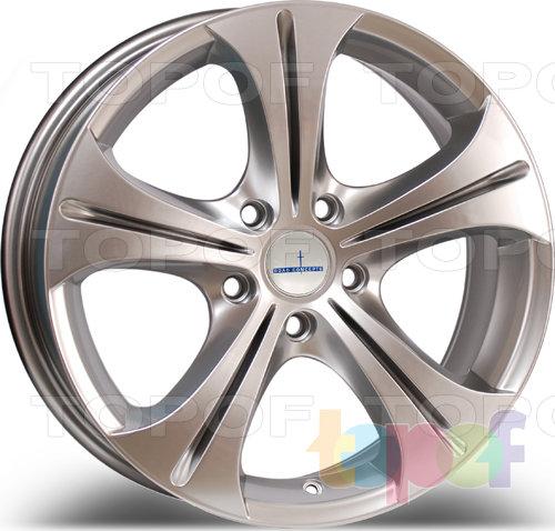 Колесные диски Devino DV 604. Цвет: серебро