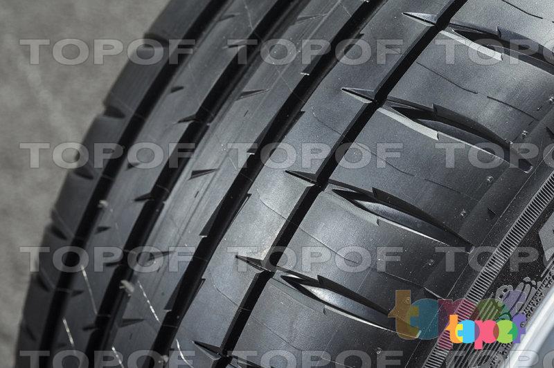 Шины Michelin Pilot Sport 4. Протектор близко 01