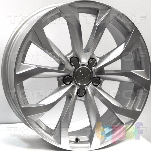 Колесные диски RS 564. Цвет: серебристый с дымкой