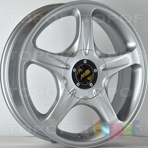Колесные диски RS 580. Цвет: серебристый полностью полированный