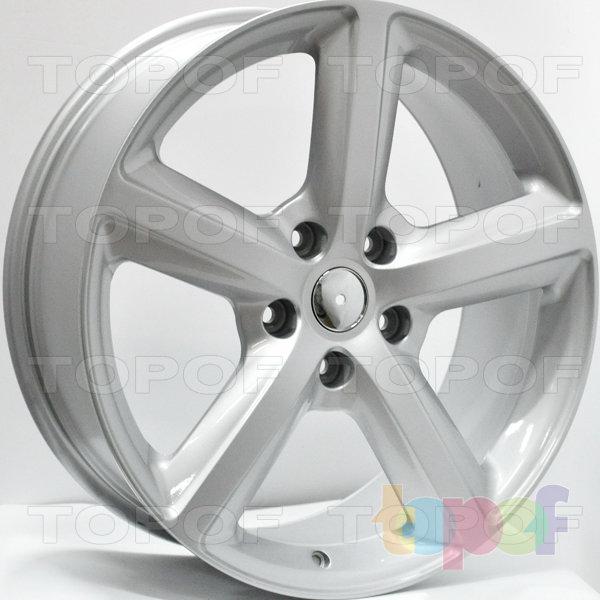 Колесные диски RS 82. Цвет: серебряный