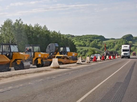 Подмосковье отремонтирует дороги с помощью автомобильных шин