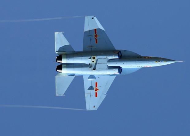 Китай начал выпускать собственные шины для военных самолетов