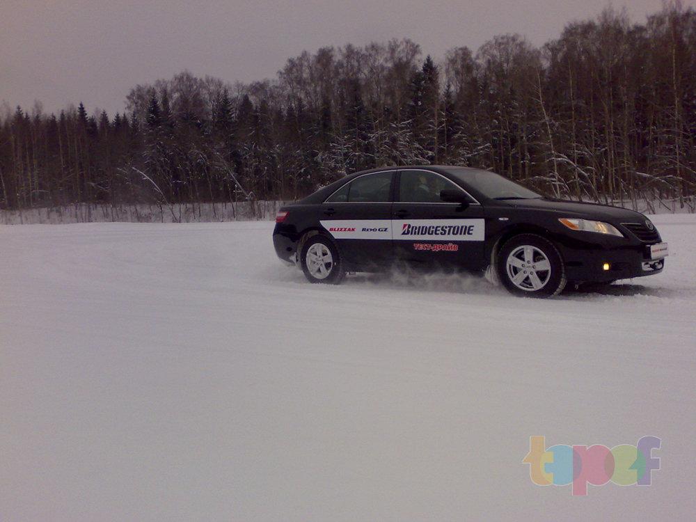 Тест-драйв зимних шин Bridgestone Blizzak Revo GZ. По заснеженной трассе