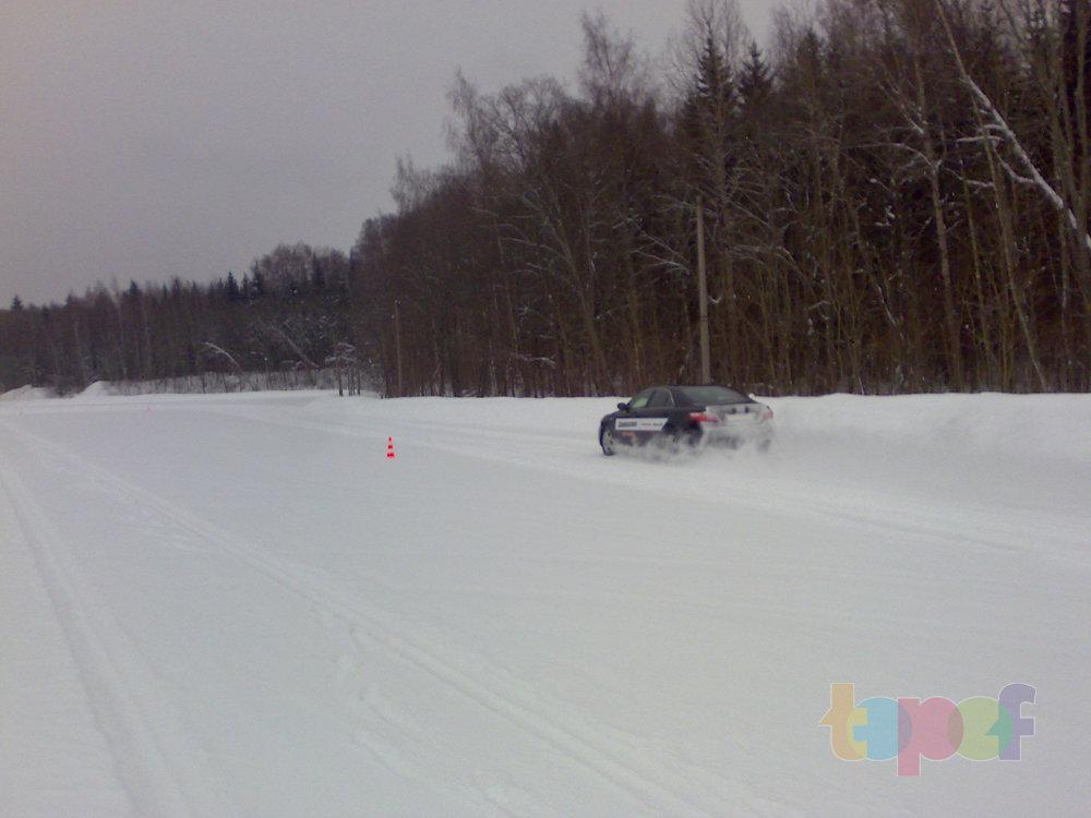 Тест-драйв зимних шин Bridgestone Blizzak Revo GZ. Прохождение поворотов
