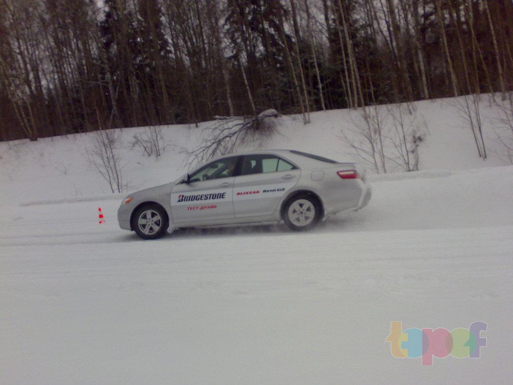 Тест-драйв зимних шин Bridgestone Blizzak Revo GZ. Змейка