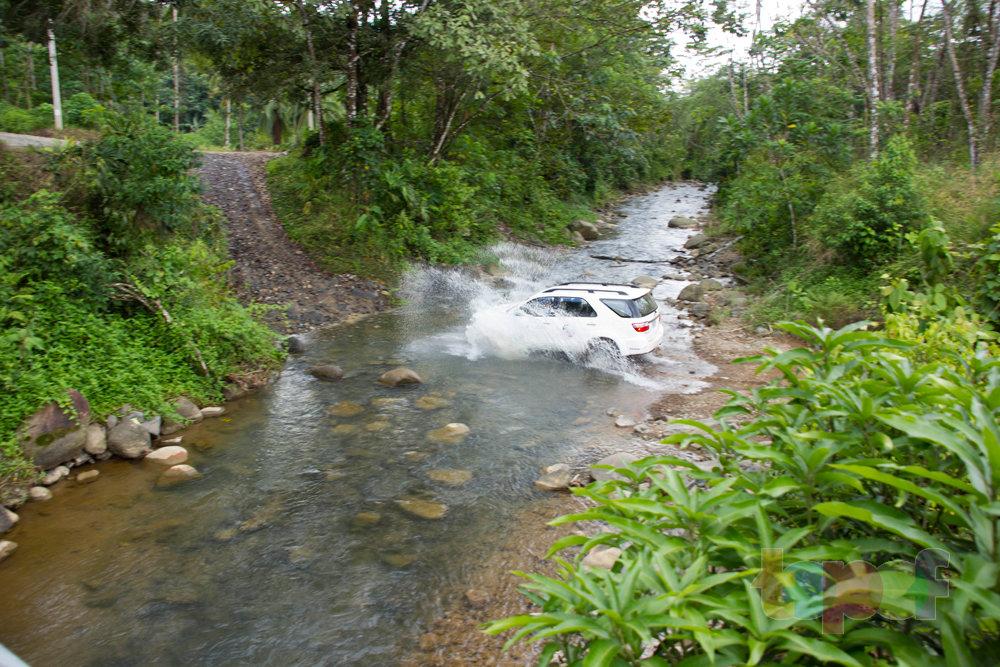 Тест драйв шин Кордиант All Terrain в Коста-Рике. Едем вброд