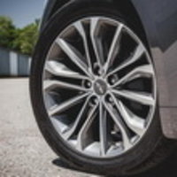 Hyundai Genesis не устроило качество шин первичной комплектации Hankook
