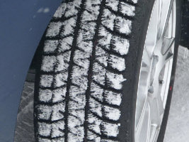Эксперты Tire Rack сравнили шины Blizzak WS80 и WinterContact SI