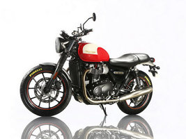 Шины Pirelli Phantom Sportscomp выбраны для мотоцикла Triumph Bonneville