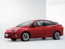 Новинка Toyota Prius использует шины и другие комплектующие Bridgestone