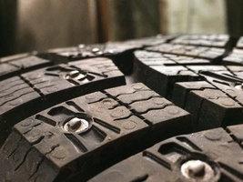 Как производятся шипы для зимних шин Continental