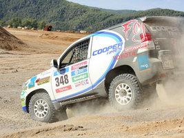 Cooper Tire и посол бренда Хавьер Фои готовятся к ралли Дакар