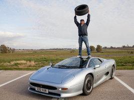 Компания Bridgestone покажет фильм с создании шин для спорткара Jaguar XJ220