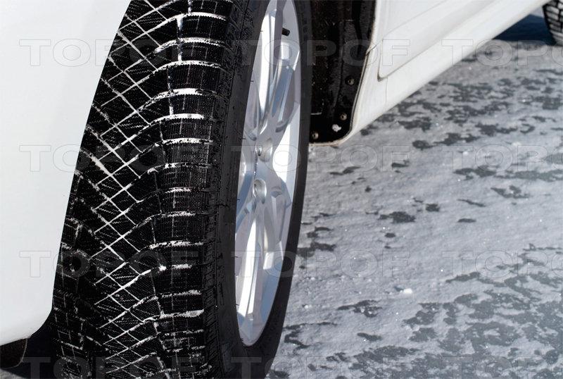 Увеличенное пятно контакта шин Ice Zero Friction
